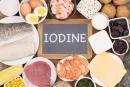 Hướng dẫn chế độ ăn ít i-ốt cho bệnh nhân ung thư tuyến giáp thể biệt hóa điều trị bằng i-ốt phóng xạ