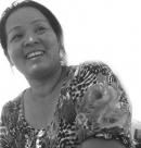 Mẹ ung thư chạy xe ôm nuôi hai con ăn học trường Tây