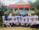 Trung tâm Y học hạt nhân và ung bướu, Bệnh viện Bạch Mai tiến hành khám sức khỏe, cấp phát thuốc, quà miễn phí cho bà con xã Lũng Cú, huyện Đồng Văn, tỉnh Hà Giang