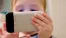 Trẻ nghiện smartphone có nguy cơ ung thư não gấp 5 lần các bé khác